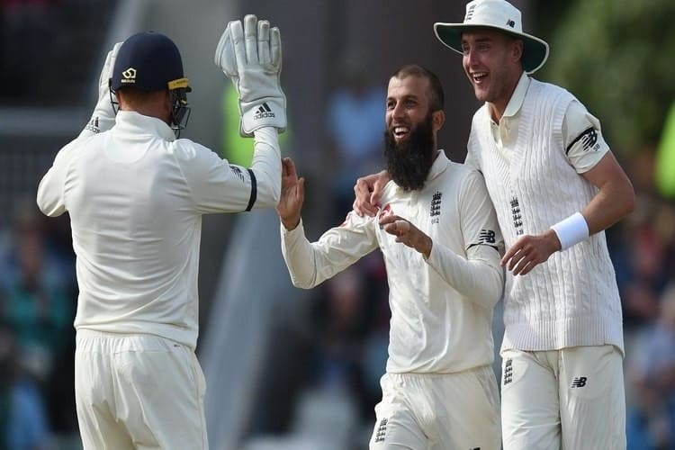 English Players Celebrate Taking a Wicket during Their Test Victory against South Africa, in the Fourth Test of the Investec Test Series, 2017.