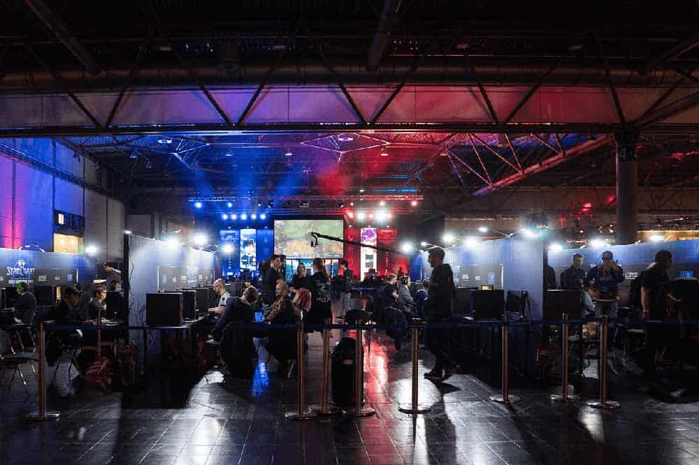 Audience for live esport event - New UK Bookmakers